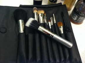 Makeup Brushes: What I use and how to clean them!